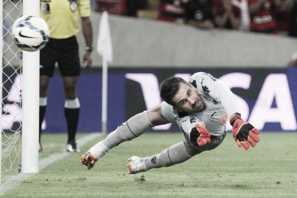Mesmo com a derrota no Maracanã, Victor acredita na classificação do Atlético-MG