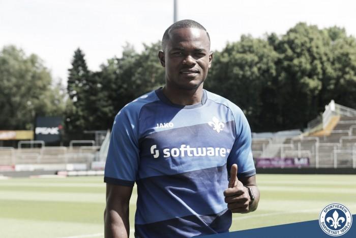 Com passagem pela Inter de Milão, atacante nigeriano Victor Obinna é anunciado no Darmstadt