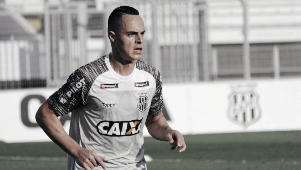 """Victor Rangel lamenta derrota da Ponte Preta: """"Infelizmente as coisas não vêm acontecendo"""""""