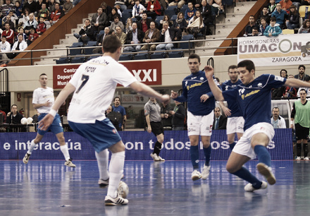 Reparto de puntos entre Umacon Zaragoza y Azkar Lugo para cerrar el año