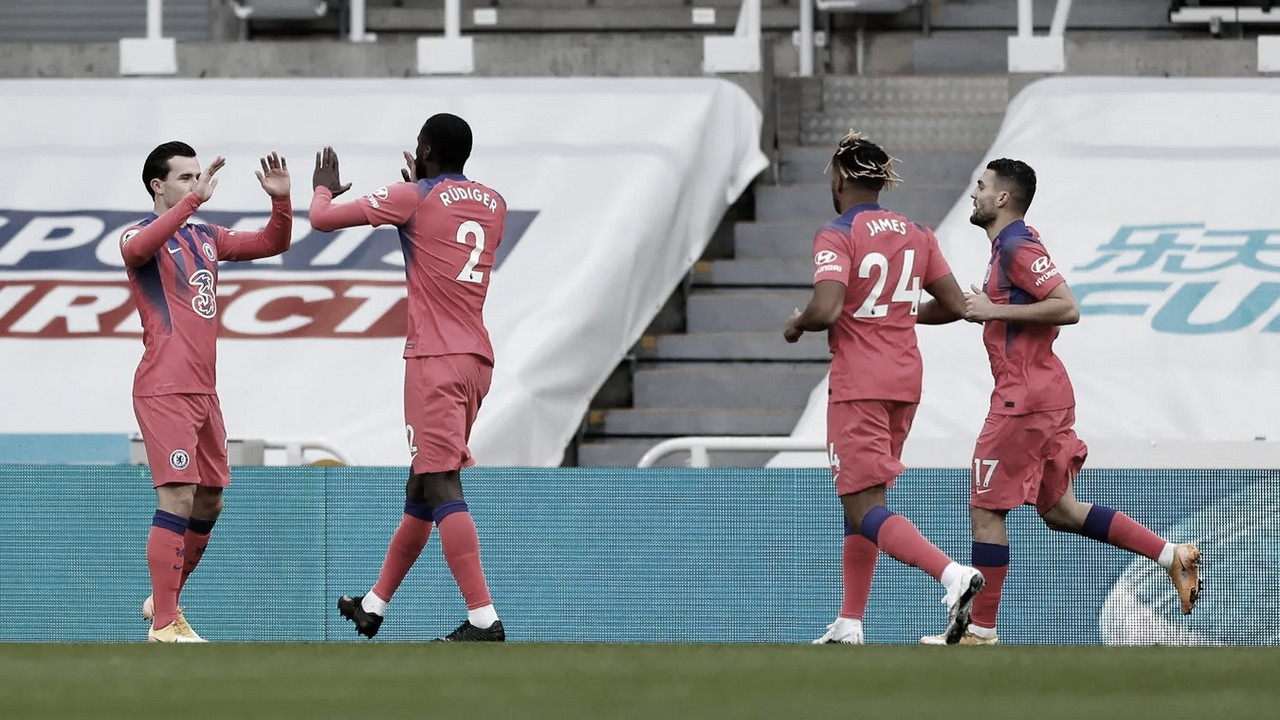 La solidez da una nueva victoria al Chelsea en St James Park
