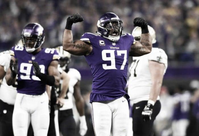O milagre de Minnesota: Vikings batem Saints com touchdown no último lance e decidem NFC
