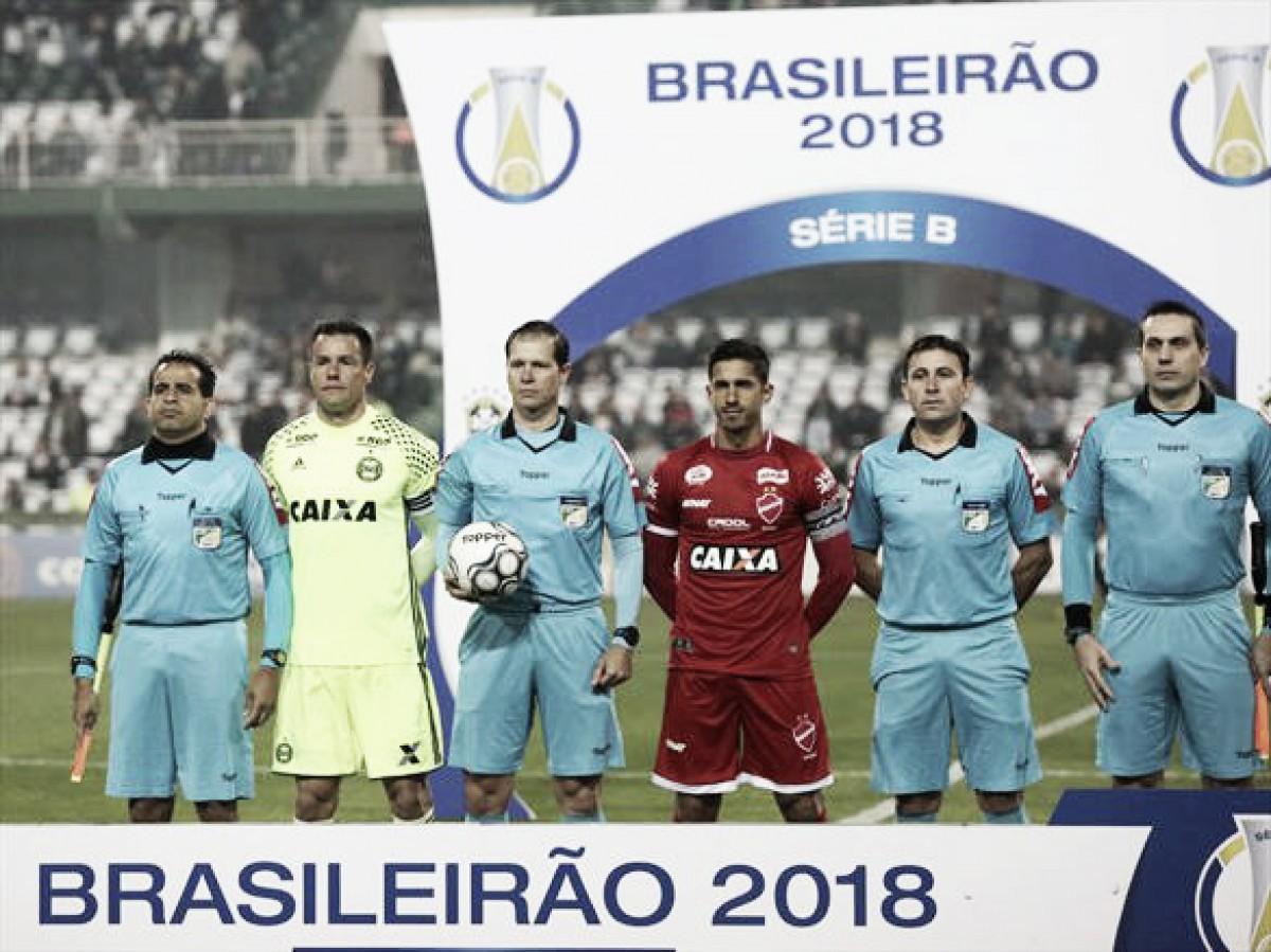 Vila Nova e Coritiba fazem confronto direto na luta pelo acesso