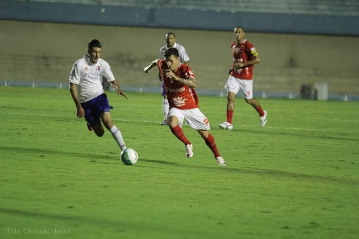 No jogo do ataque contra defesa, Vila Nova e Paraná não saem do zero