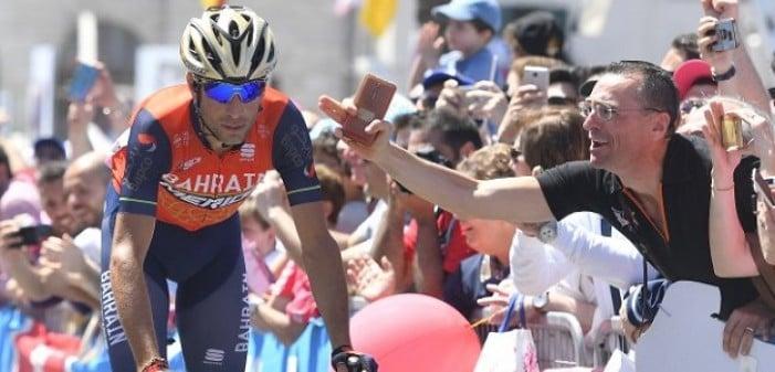 """Tour de France, Nibali vota Aru: """"Può farcela, i suoi scatti fanno male"""""""