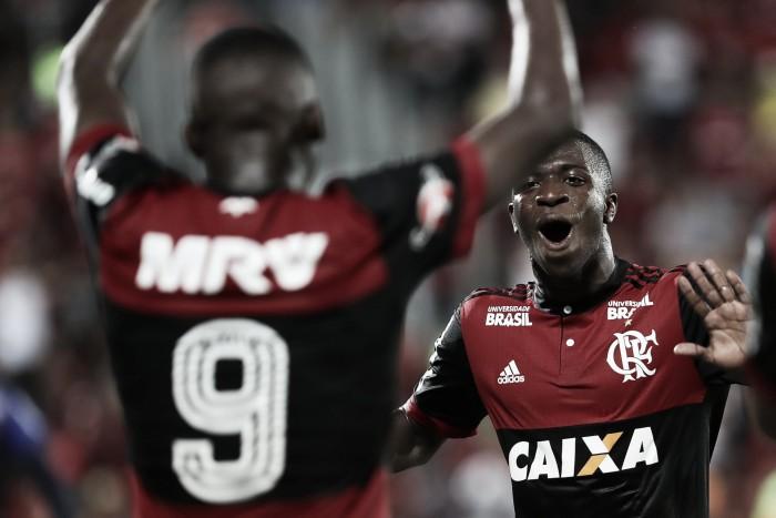 Notas: Lincoln e Vinícius Junior se destacam em vitória magra do Flamengo