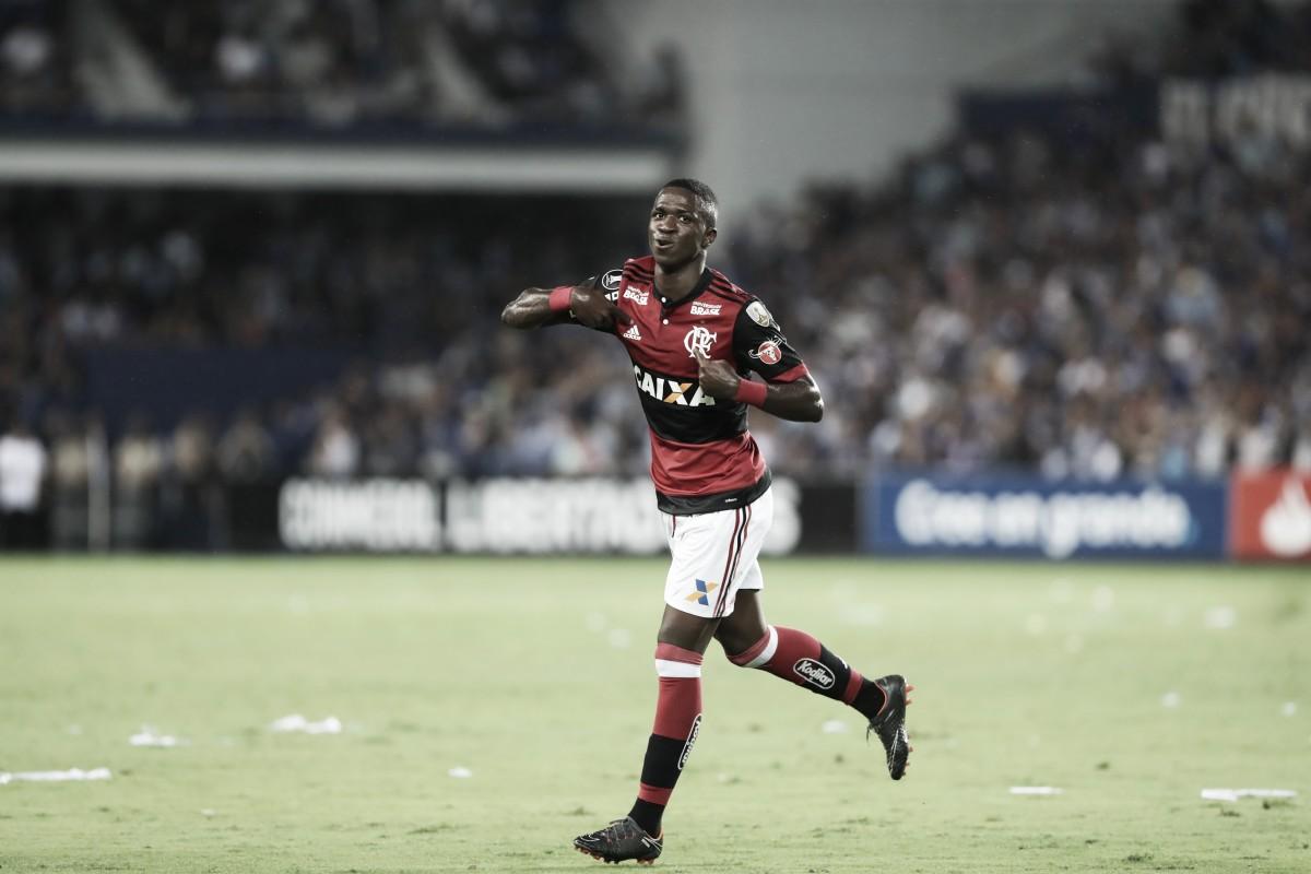 Notas: Vinicius Jr entra e tem atuação de gala para decidir a partida contra o Emelec