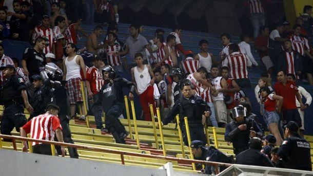 Al futbol mexicano lo ha infectado el virus de la violencia