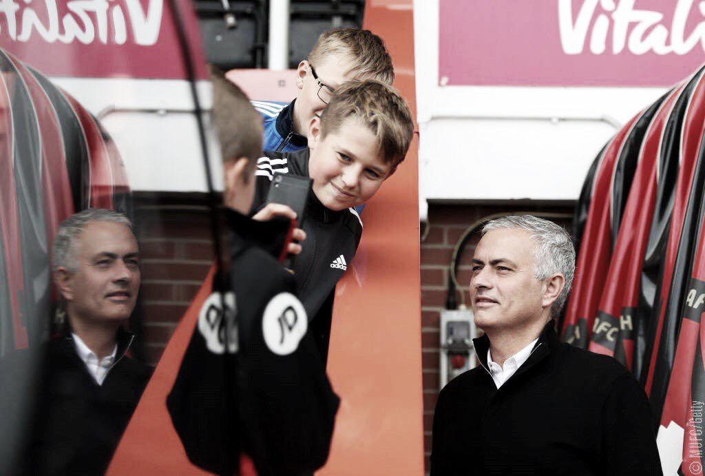 """Após vitória, Mourinho critica postura doManchester United: """"Defensivamente péssimos''"""
