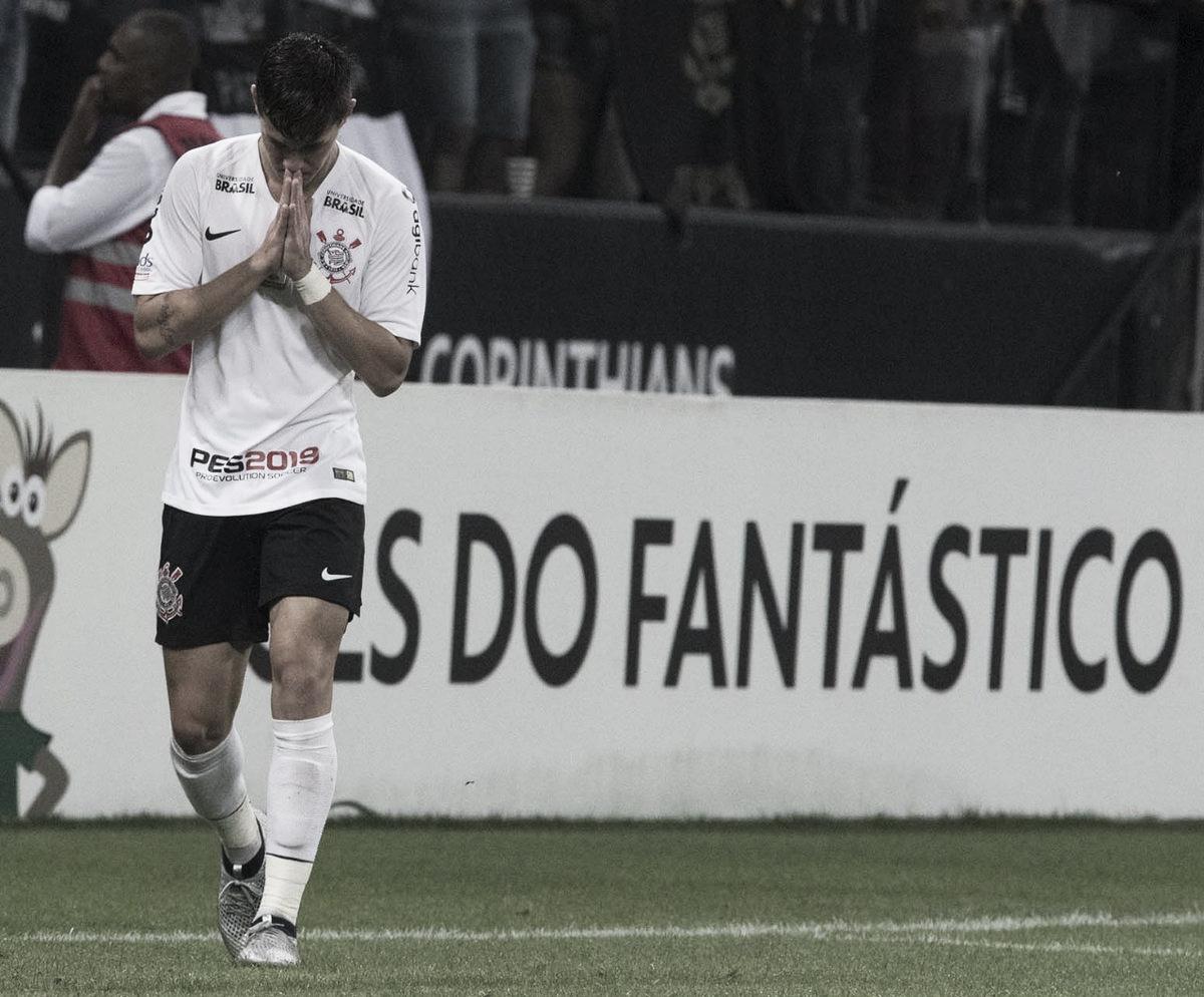 Com polêmicas e 'lei do ex', Corinthians vence o Vasco e afasta chance de rebaixamento