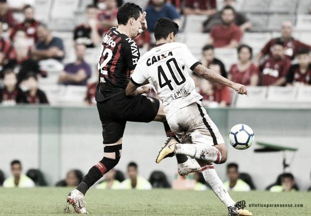 Lutando contra o rebaixamento, Vitória recebe o Atlético-PR no Barradão