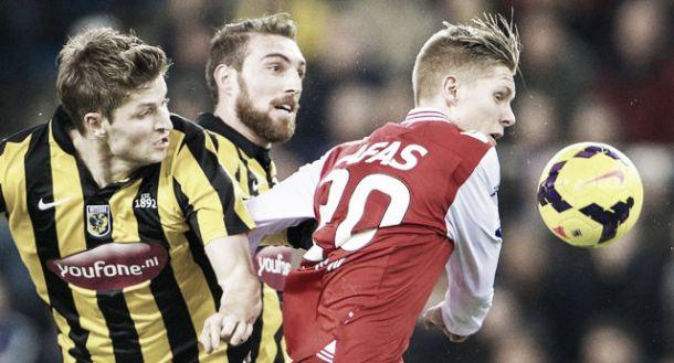 Vitesse perde para AZ Alkmaar em casa e chega a três jogos sem vitória na Eredivisie