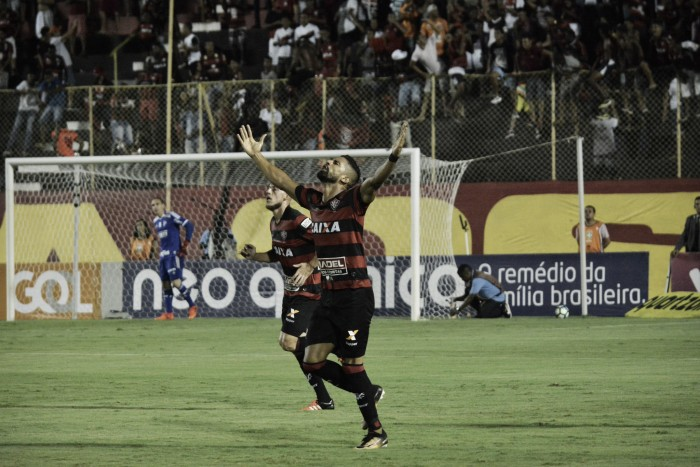 Vitória bate Palmeiras, quebra sequência negativa em casa e deixa zona de rebaixamento