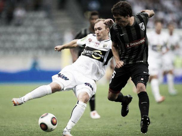 El Vitória Guimarães sale vivo de Austria