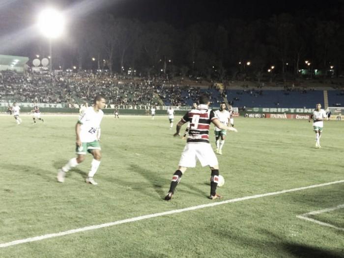 Bruno Moraes marca duas vezes contra o Vitória da Conquista e classifica o Santa Cruz na Copa do Brasil