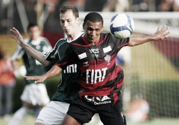 Palmeiras recebe Vitória buscando reassumir a liderança do Campeonato Brasileiro