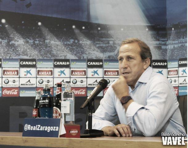 """Víctor Muñoz: """"El equipo tiene ganas de ofrecer la primera victoria a la afición"""""""