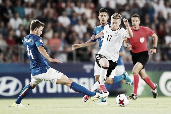 Italia, così ti vogliamo. Cattiveria e tenacia ci trascinano in semifinale