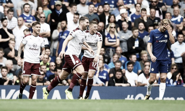 Premier League, avvio shock per il Chelsea: il Burnley espugna Stamford Bridge per 3-2