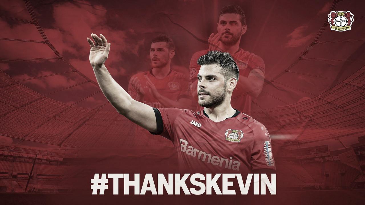 Bayer Leverkusen anuncia transferência do atacante Volland para o Monaco