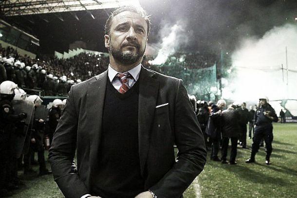 Vitor Pereira provocou o caos no «derby» de Atenas