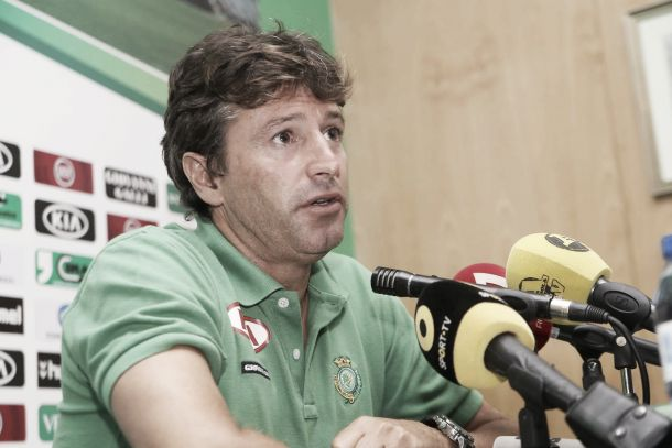 Domingos Paciência já não é treinador do Vitória de Setúbal