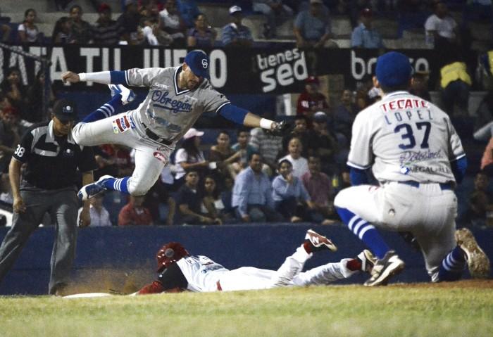 Yaquis iguala serie en duelo de pitcheo en el Teodoro Mariscal