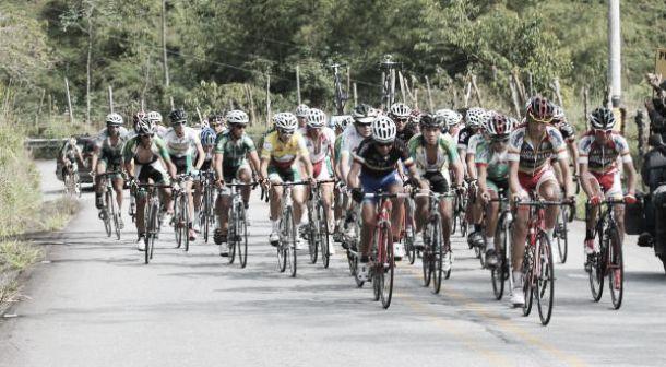 La Vuelta al Futuro 2014, da su primer pedalazo