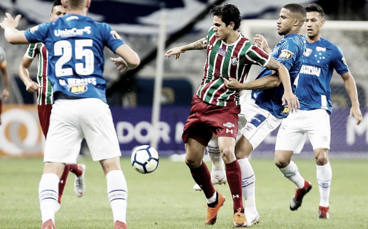 """Médico do Fluminense não descarta cirurgia para Pedro: """"Existe pequena possibilidade"""""""