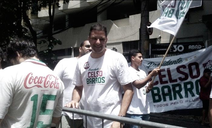 Com apoio a Celso Barros, Washington comparece nas Laranjeiras