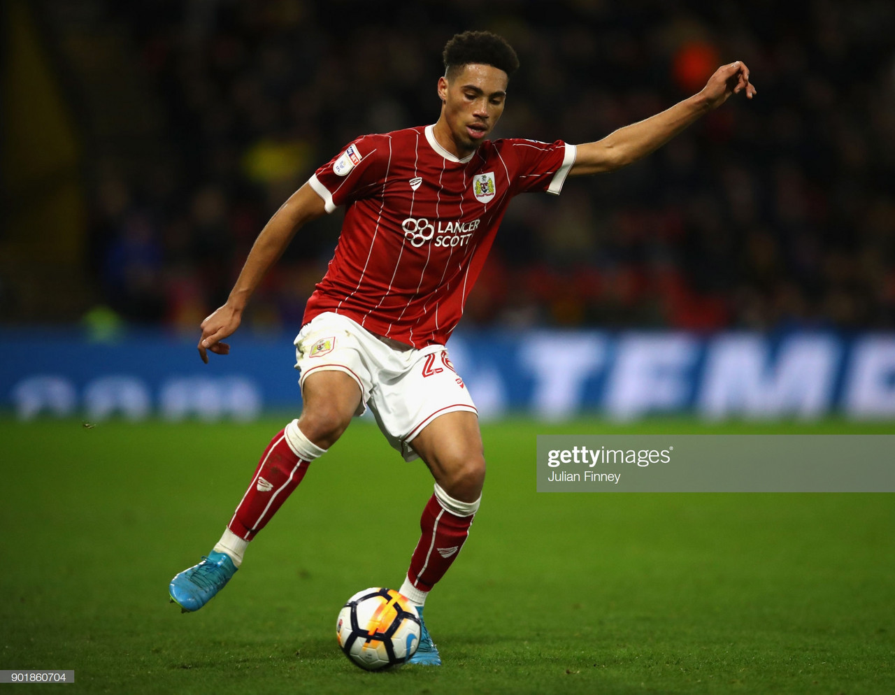 Aberdeen complete loan signing of Bristol City's Zak Vyner
