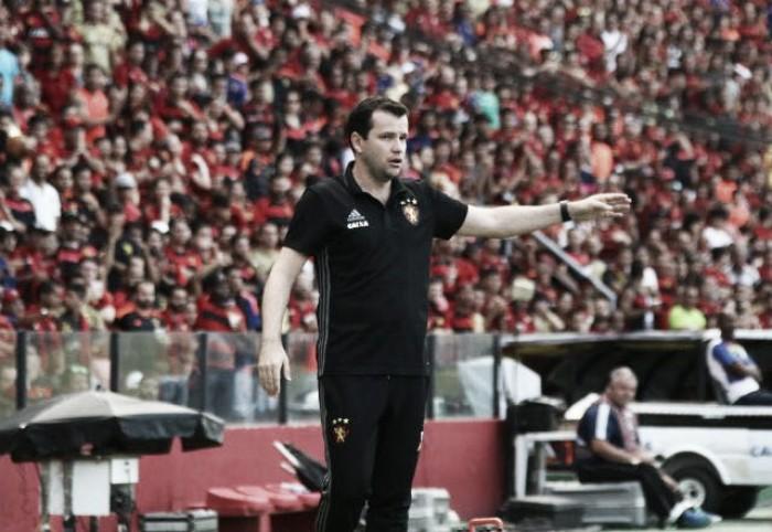 Daniel Paulista comemora permanência e revela entrega do cargo no Sport