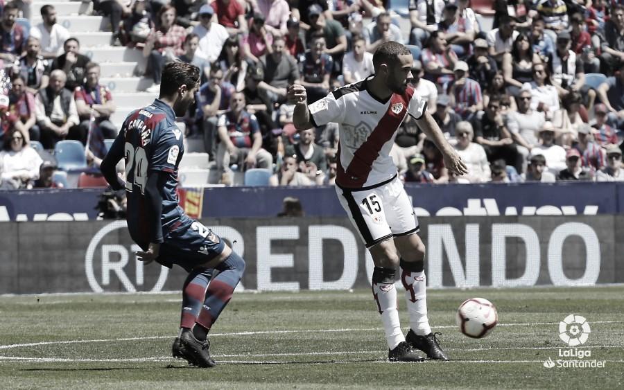 Mario Suárez vio la quinta amarilla ante el Levante