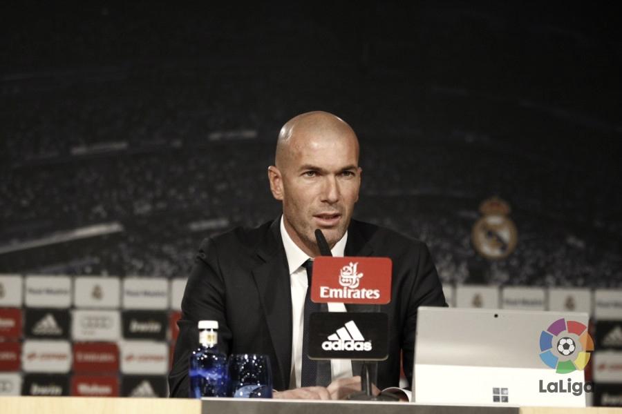 """Zidane: """"Voy a contar con todos los jugadores"""""""
