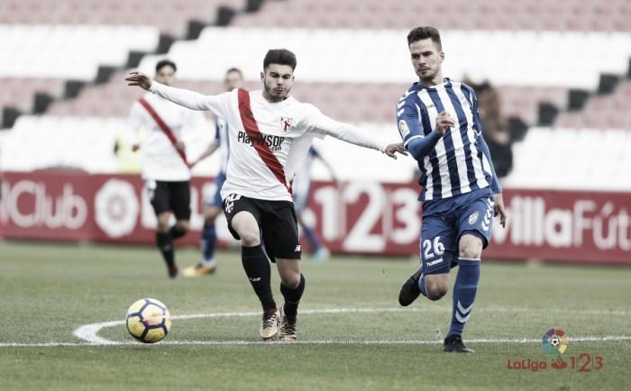 """José Carlos: """"El árbitro se inventa dos penaltis, el Lorca merece respeto"""""""