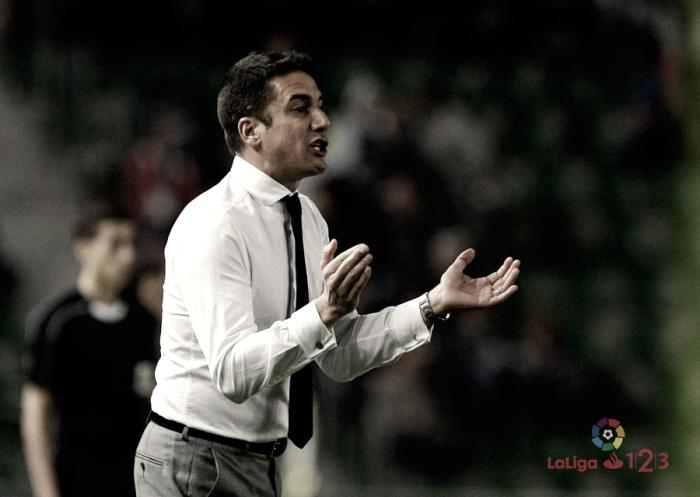 """Julio Velázquez: """"Conseguir aquí los tres puntos tiene mucho mérito para mis jugadores"""""""