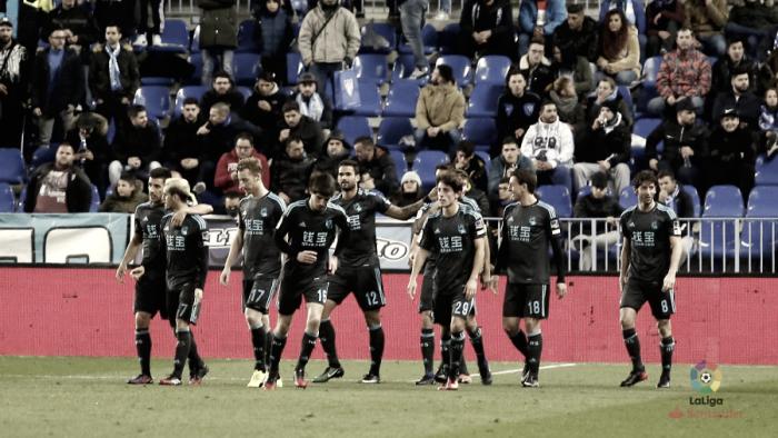 La Real se alía con el balón parado para vencer al Málaga