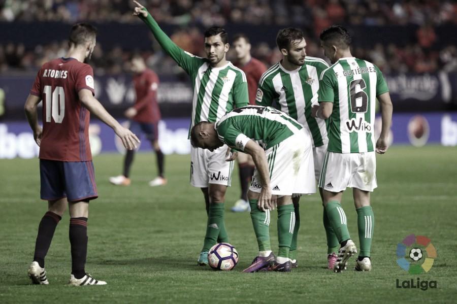 Previa Osasuna - Betis: El Betis visita El Sadar para romper la racha de un Osasuna invicto