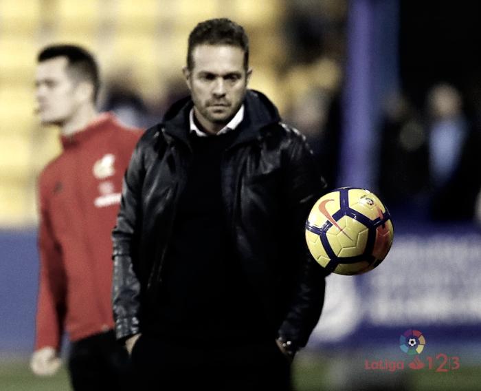 Desmontando al técnico del Sevilla Atlético