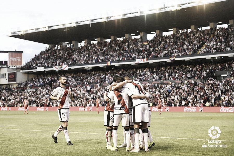 El VAR da esperanzas a Vallecas y el Madrid delira
