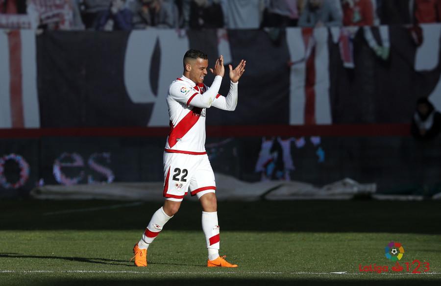 Raúl de Tomás permanecerá en el Rayo hasta final de temporada