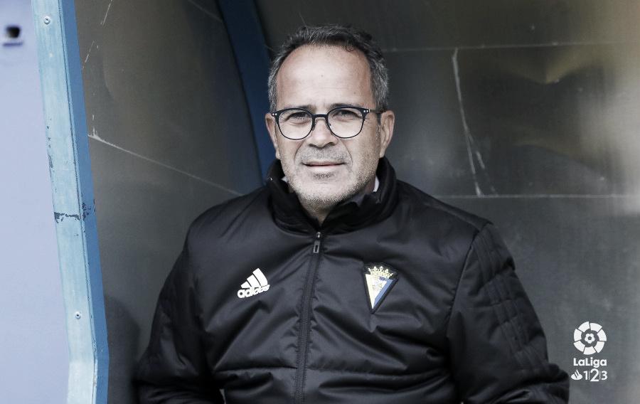 """Álvaro Cervera: """"El Tenerife es un equipo que juega bien y hay que estar preparados"""""""