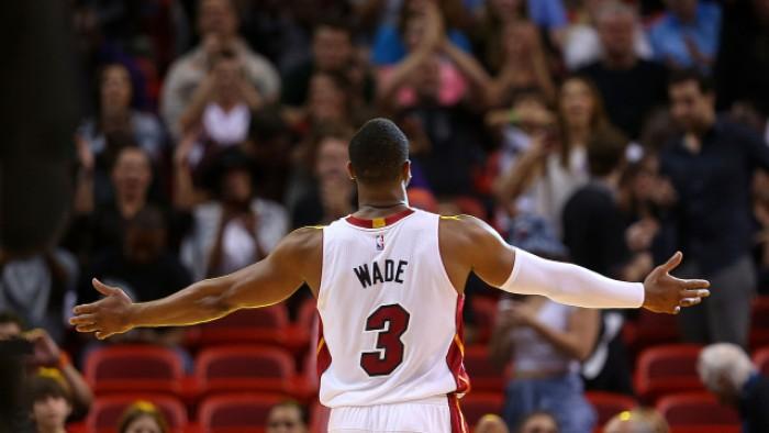 NBA - Quattro gare nella notte: Dwyane Wade torna a Miami da avversario