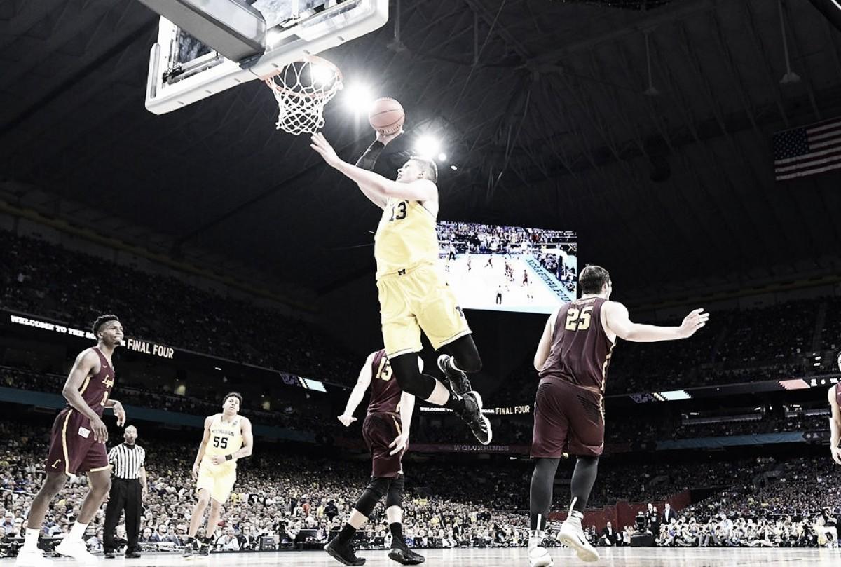 Michigan acaba com sonho de Loyola e retorna à final do torneio da NCAA após cinco anos