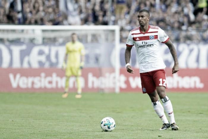 Dirigente afirma que Walace fica no Hamburgo e descarta transferência