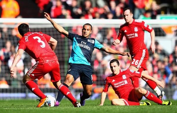 Theo Walcott, cerca de fichar por el Liverpool