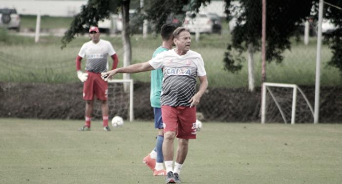 Waldemar Lemos revela dúvidas para escalar Náutico em jogo contra Figueirense