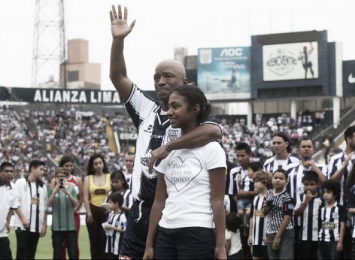 Waldir Sáenz le dijo adiós a su carrera futbolística con la camiseta de Alianza Lima