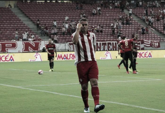 """Para meia Wallace Pernambucano, empate foi um resultado """"pra se lamentar"""""""
