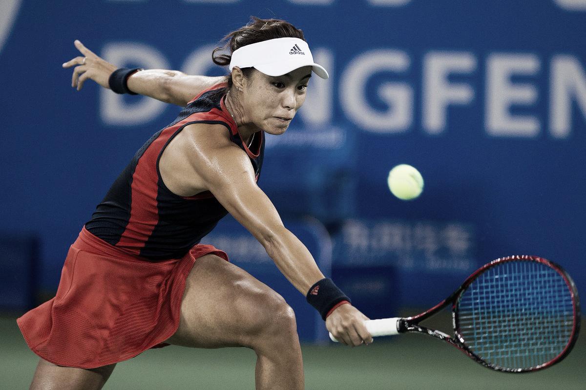 Embalada, Qiang Wang elimina Karolina Pliskova em Wuhan